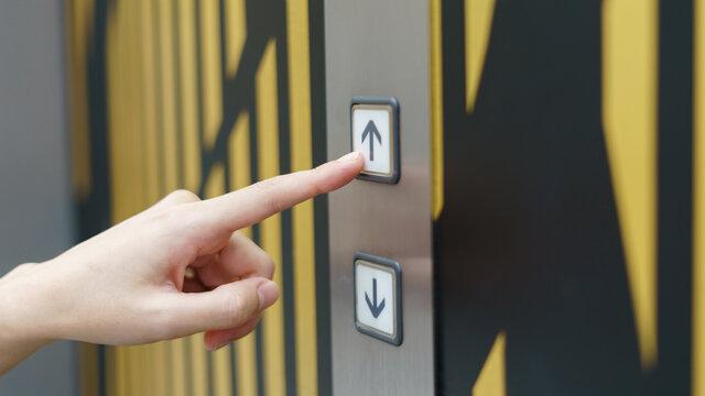 Грузопассажирский лифт в жилом доме
