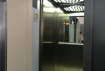 кабина лифта HAS в открытом состоянии